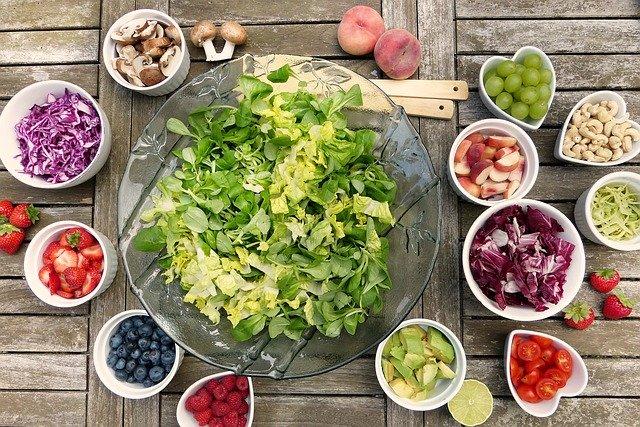mističky s ovocem a zeleninou